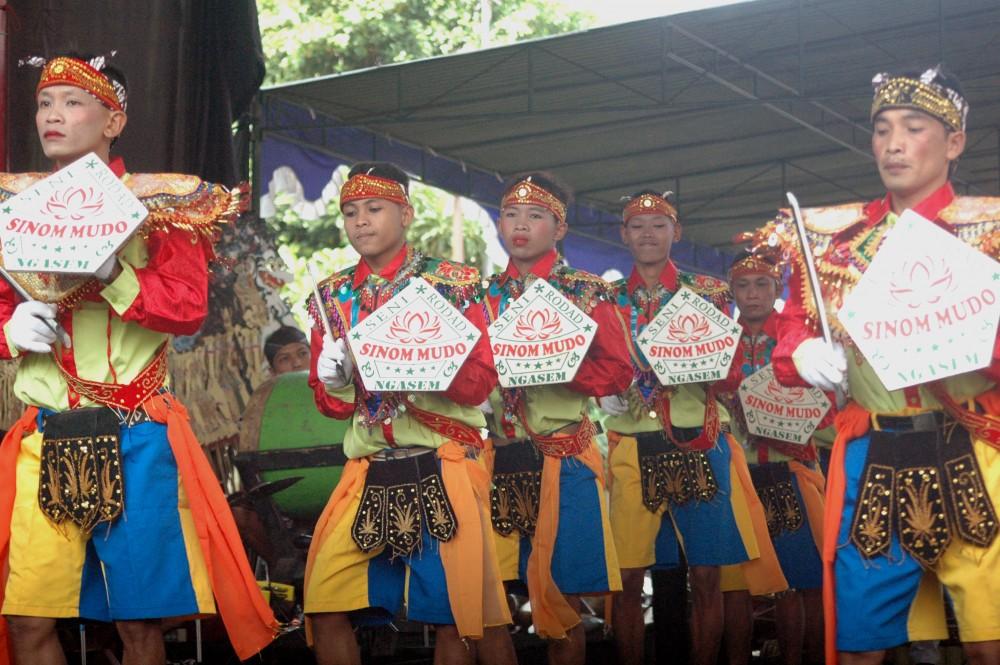 Foto - Seni Tradisi Sepanjang Tahun2018: Kubro Sinom Mudo Sanggar Nyi Ageng Serang