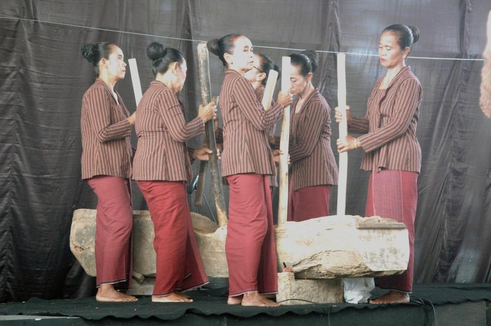 Foto - Seni Tradisi Sepanjang Tahun2018:  Gejog Lesung Cahaya Bangsa