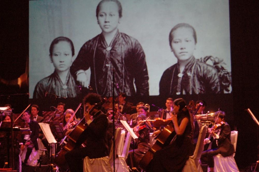 Foto - pergelaran konser musik Harmoni